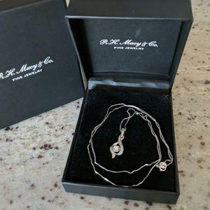 "Diamond teardrop 18"" Pendant necklace in 14k white"